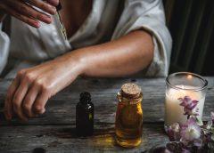 Jak stosować oleje podczas codziennej  pielęgnacji twarzy?